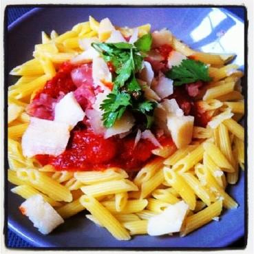 Pasta Tojapa (Tomate, Jambon cru, Parmesan)