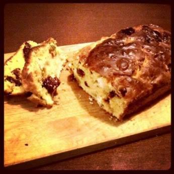 Tronche de cake (cake salé aux olives, fêta et tomates séchées)