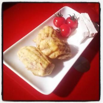 Madeleines salées (tomates séchées, fêta, basilic)